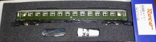 Schnellzugwagen 2te Kl B4üm-54 DB Ep4 Roco 45868 MäGeb µ