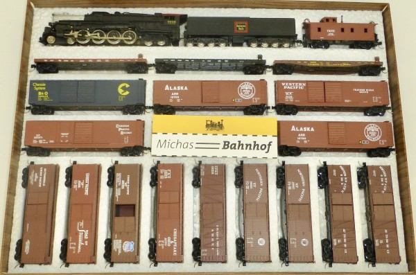 CB&Q 4-8-4 Northern + 18 Wagen Bachmann Kadee N 1:160 #268 å