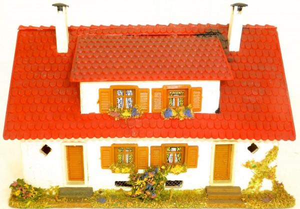 Doppelhaus mit Dachgaube Holz Faller 254 H0 å *