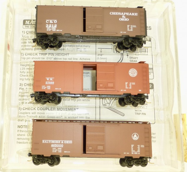 Micro Trains Line 20276-2 The Cat Pac 3-tlg SET 40' St Box Car OVP 1:160 #Z02 å