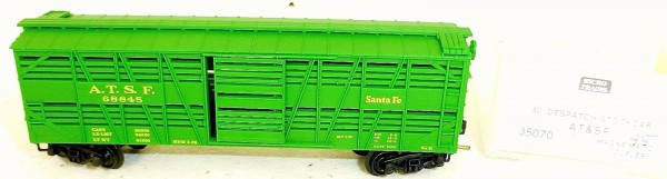 Micro-Trains Line 35070 A.T.S.F. 68845 40' Despatch Stock Car N 1:160 A å *