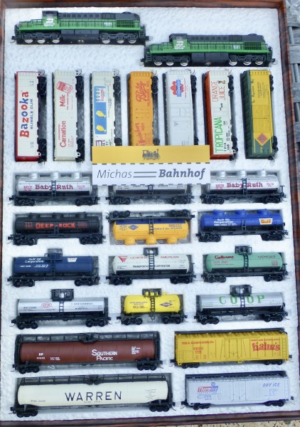Burlington Northern 2x RSD15 +14 tank cars +9 reefers Mehano Atlas SET N 1:160 #253 å