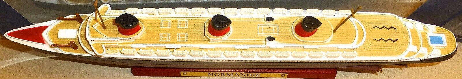 Normandie Schiffsmodell ATLAS French Lines  neu in Box 1:1250 NEU OVP UI2 µ *